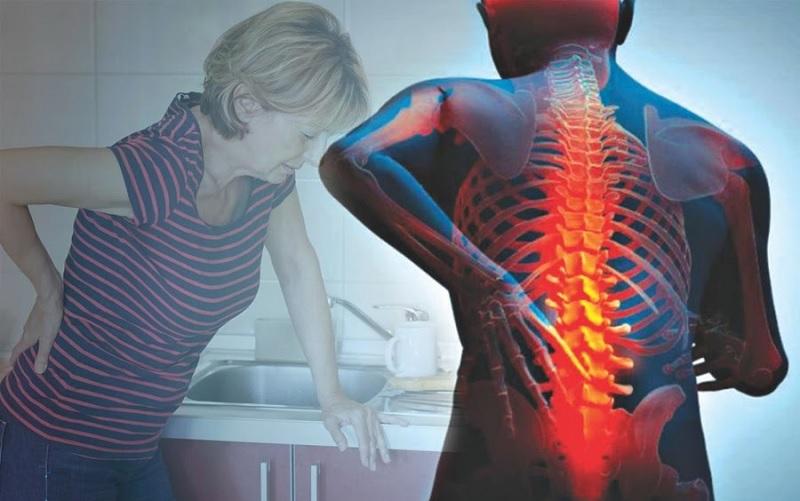 đau từ thắt lưng lan xuống mông do gai đôi cột sống